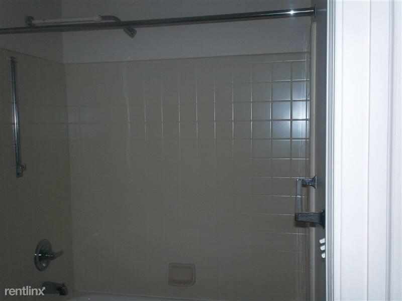 Agnes Street Shower