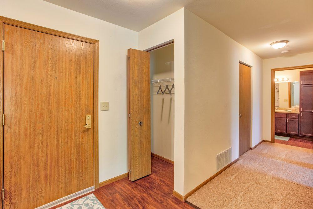 Ambrose Ridge Apartments Grand Rapids MI Entryway 9138