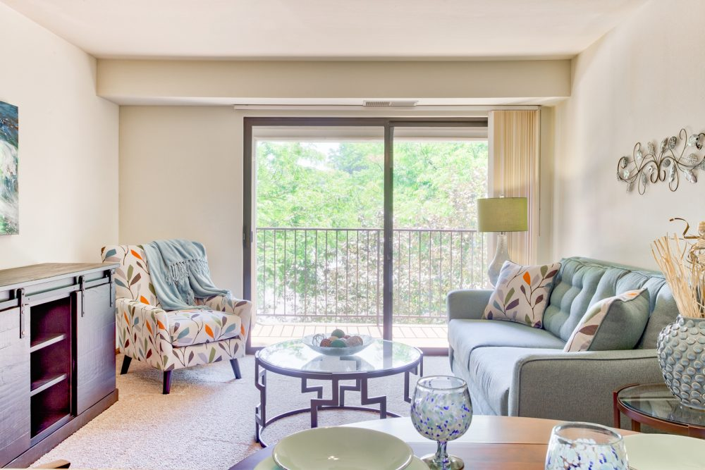 Ambrose Ridge Apartments Grand Rapids MI Living Room 9160