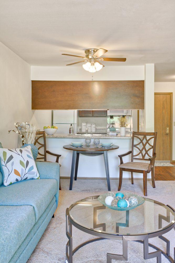 Ambrose Ridge Apartments Grand Rapids MI Living Room Kitchen 9178