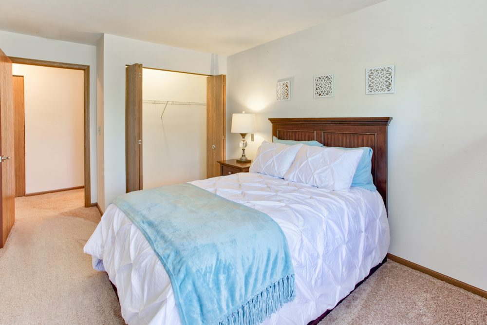 Ambrose Ridge Apartments Grand Rapids MI Main Bedroom 9215