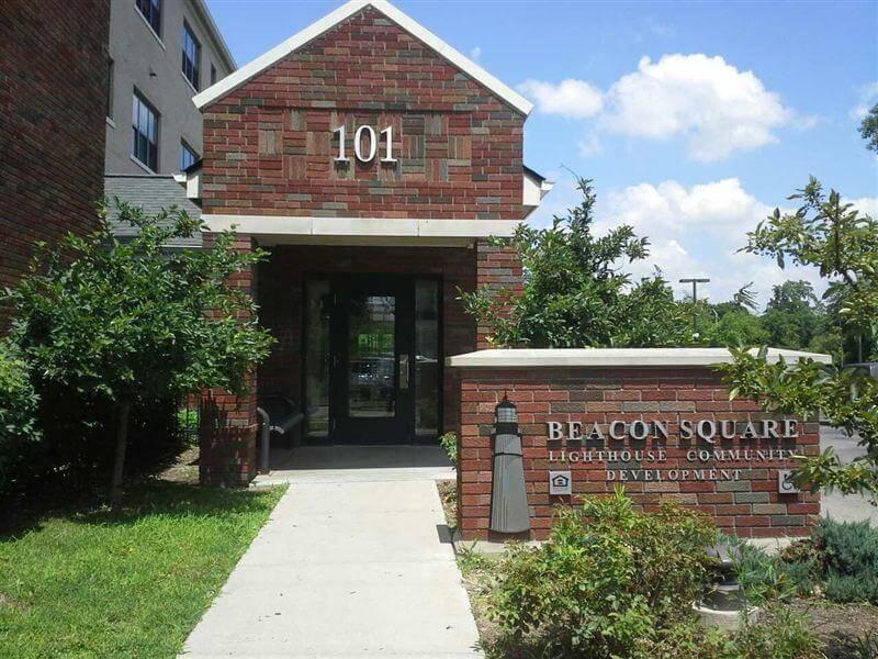 Beacon Square Pontiac MI Apartments Entry