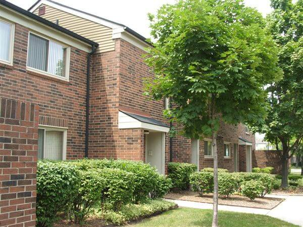 Calumet Townhomes Detroit MI Private Entry