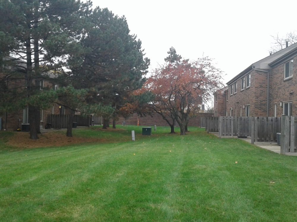 Calumet Townhomes Detroit Michigan Low Income Housing Apartments Court Yard