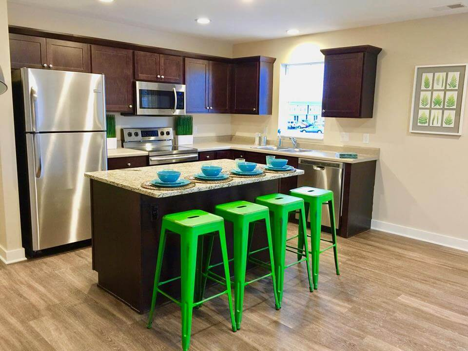Campus Creek Cottages Big Rapids MI Apartments Kitchen