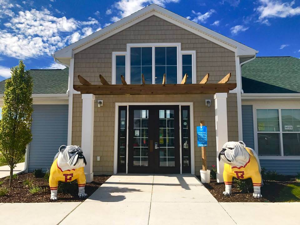 Campus Creek Cottages and Townhomes Big Rapids MI Apartments Bulldogs Entry