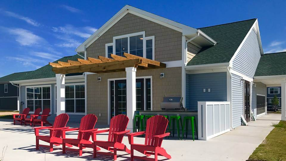 Campus Creek Cottages and Townhomes Big Rapids MI Apartments Community Grill
