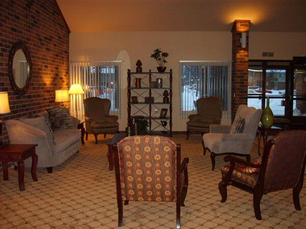 Dauner Haus Fenton MI Apartments Community Lounge