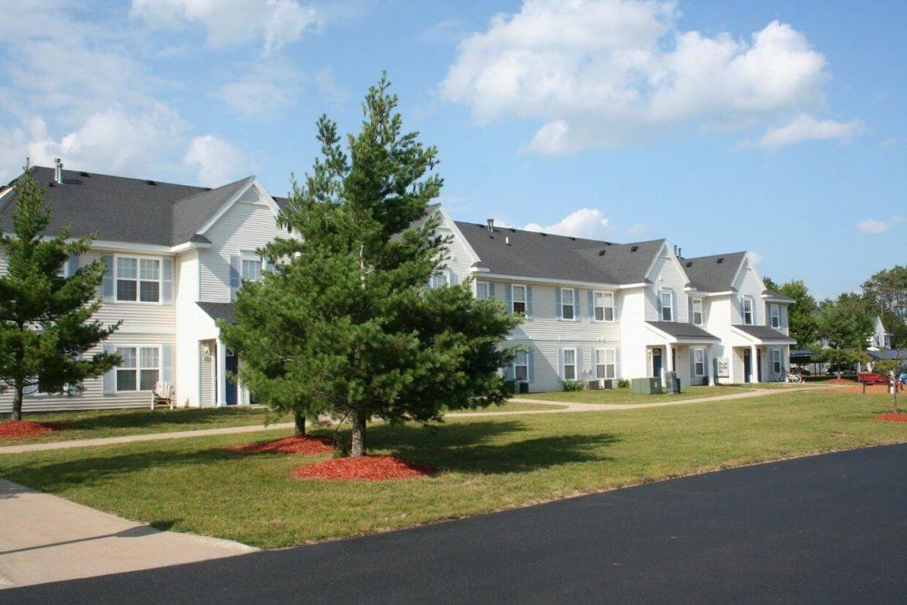 green-meadows-apartments-gaylord-mi-exterior