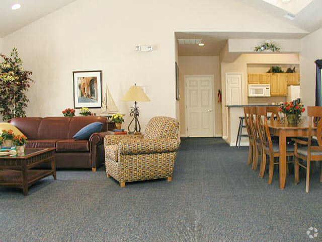 hillside-club-apartments-petoskey-mi-club-house